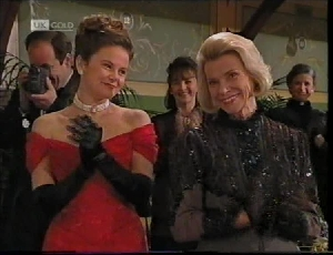 Philip Martin, Julie Martin, Helen Daniels, Pam Willis in Neighbours Episode 2184