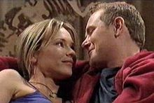 Steph Scully, Max Hoyland in Neighbours Episode 4242