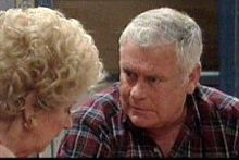 Valda Sheergold, Lou Carpenter in Neighbours Episode 4246