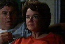 Joe Scully, Lyn Scully in Neighbours Episode 4270