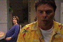 Joe Scully, Lyn Scully in Neighbours Episode 4300