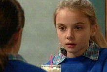 Lisa Jeffries, Summer Hoyland in Neighbours Episode 4327