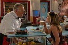 Harold Bishop, Izzy Hoyland in Neighbours Episode 4328