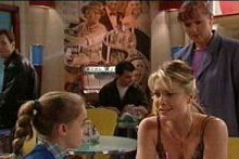 Susan Kennedy, Izzy Hoyland, Summer Hoyland in Neighbours Episode 4329