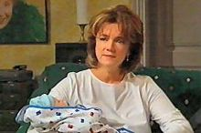 Lyn Scully, Oscar Scully in Neighbours Episode 4347