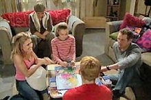 Izzy Hoyland, Boyd Hoyland, Max Hoyland, Summer Hoyland, Steph Scully in Neighbours Episode 4358