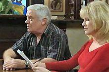 Lou Carpenter, Trixie Tucker in Neighbours Episode 4359