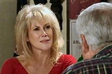 Trixie Tucker, Lou Carpenter in Neighbours Episode 4360