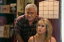 Lou Carpenter, Trixie Tucker in Neighbours Episode 4361