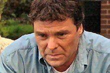 Joe Scully in Neighbours Episode 4363