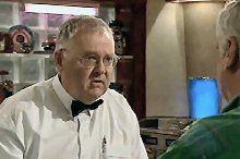 Harold Bishop, Lou Carpenter in Neighbours Episode 4365