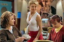 Lyn Scully, Izzy Hoyland, Susan Kennedy in Neighbours Episode 4368