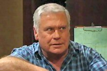 Lou Carpenter in Neighbours Episode 4370