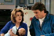 Joe Scully, Lyn Scully, Oscar Scully in Neighbours Episode 4370
