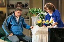 Joe Scully, Lyn Scully in Neighbours Episode 4370