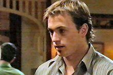 Stuart Parker in Neighbours Episode 4373
