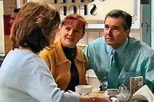 Lyn Scully, Susan Kennedy, Karl Kennedy in Neighbours Episode 4373