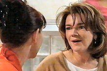 Susan Kennedy, Lyn Scully in Neighbours Episode 4375