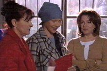 Steph Scully, Susan Kennedy, Lyn Scully in Neighbours Episode 4375