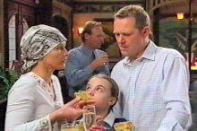 Steph Scully, Summer Hoyland, Max Hoyland in Neighbours Episode 4375