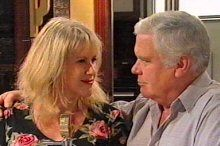 Trixie Tucker, Lou Carpenter in Neighbours Episode 4377