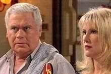 Lou Carpenter, Trixie Tucker in Neighbours Episode 4377