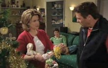 Lyn Scully, Jack Scully, Joe Scully in Neighbours Episode 4385