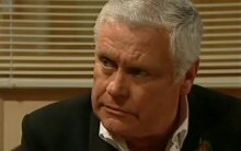 Lou Carpenter in Neighbours Episode 4396