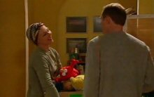 Steph Scully, Max Hoyland in Neighbours Episode 4398