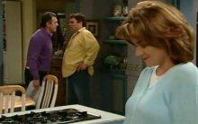 Joe Scully, Karl Kennedy, Lyn Scully in Neighbours Episode 4399
