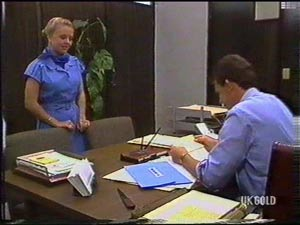 Sue Parker, Des Clarke in Neighbours Episode 0476