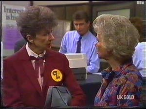 Nell Mangel, Des Clarke, Helen Daniels in Neighbours Episode 0476