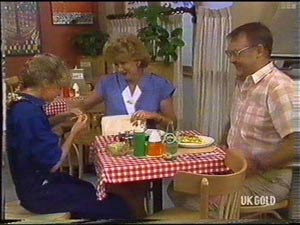 Madge Bishop, Harold Bishop, Charlene Mitchell in Neighbours Episode 0476