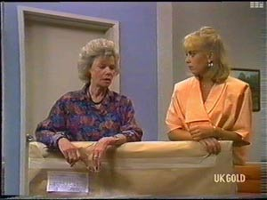 Helen Daniels, Jane Harris in Neighbours Episode 0476