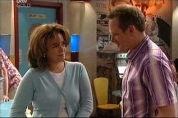 Max Hoyland, Lyn Scully in Neighbours Episode 4425