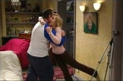 Toadie Rebecchi, Sindi Watts in Neighbours Episode 4425