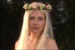 Dee Bliss, Sindi Watts in Neighbours Episode 4425