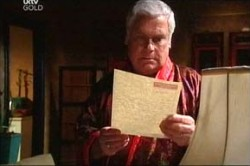 Lou Carpenter in Neighbours Episode 4429