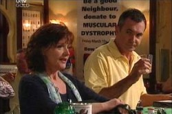Summer Hoyland, Karl Kennedy in Neighbours Episode 4432