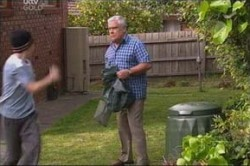 Lou Carpenter, Stingray Timmins in Neighbours Episode 4436