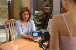 Lyn Scully, Sindi Watts in Neighbours Episode 4437
