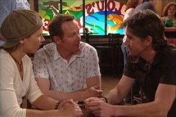 Steph Scully, Max Hoyland, Gus Cleary in Neighbours Episode 4438