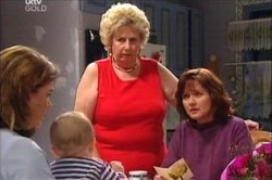 Lyn Scully, Oscar Scully, Valda Sheergold, Susan Kennedy in Neighbours Episode 4438