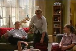 Max Hoyland, Boyd Hoyland, Summer Hoyland in Neighbours Episode 4441