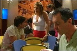 Gus Cleary, Izzy Hoyland, Karl Kennedy in Neighbours Episode 4441