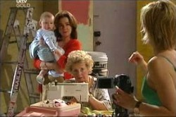 Oscar Scully, Lyn Scully, Valda Sheergold, Sindi Watts in Neighbours Episode 4442