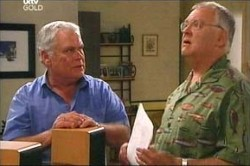 Lou Carpenter, Harold Bishop in Neighbours Episode 4443