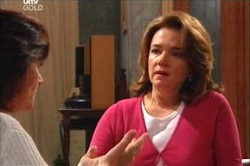Susan Kennedy, Lyn Scully in Neighbours Episode 4445