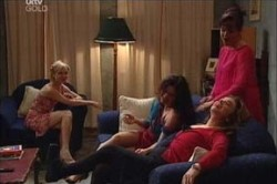 Sindi Watts, Liljana Bishop, Susan Kennedy, Lyn Scully in Neighbours Episode 4446