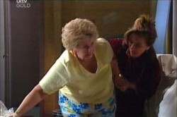 Valda Sheergold, Lyn Scully in Neighbours Episode 4448